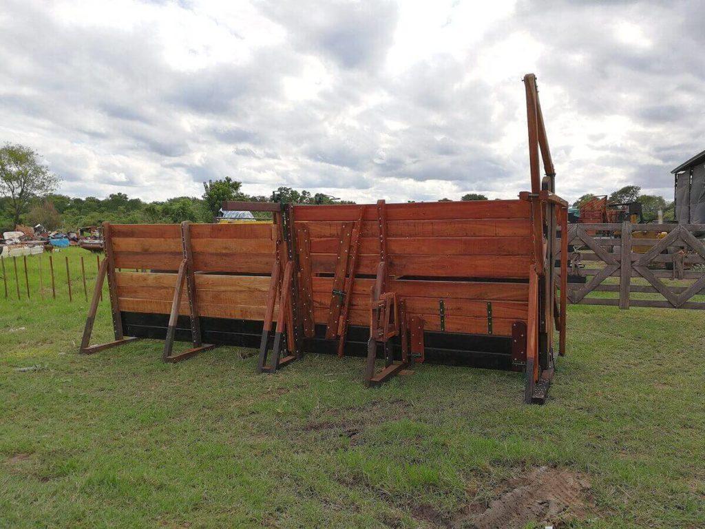brete economico con yugo para manejo de ganado madera urunday